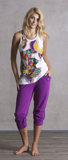 PMwomen-4 トップス57444 LUCKY BUTTERFLY カラー100 ¥5500 パンツ57470 SWEETY カラー430 ¥9000.jpg